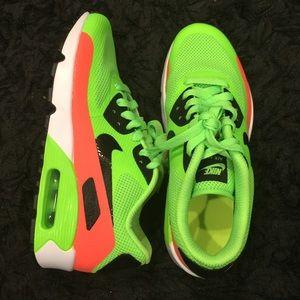 Electric Green/black Nike Air Max